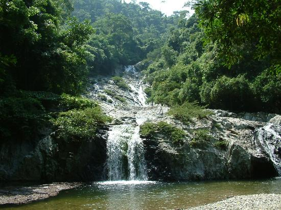 Santa Marta, Colombia: More of the cascades.  many swimming holes located on the way up the falls