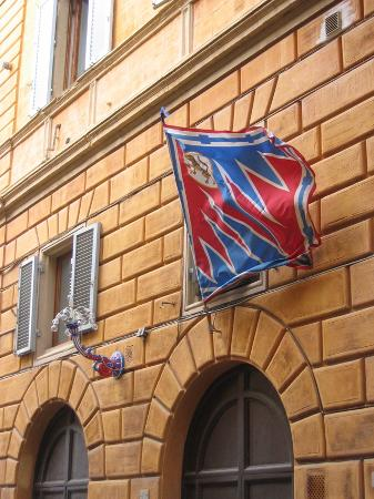 B&B San Francesco: Flags on the Palio