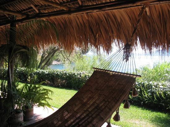Villa Sumaya: Hammock outside room