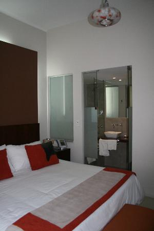 MY ba Hotel: Room looking inwards