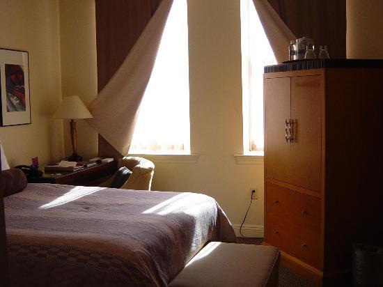 Madison Hotel: Room 1