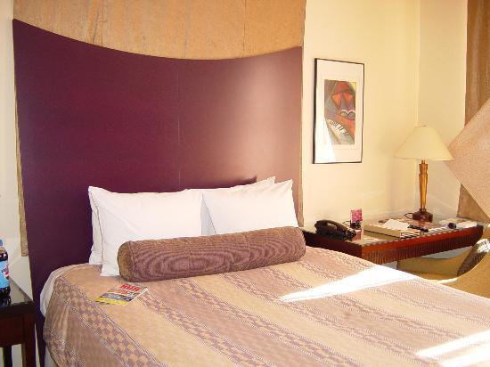 Madison Hotel: Room 2