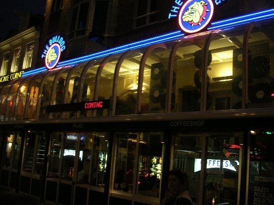 The Bulldog Amsterdam: el mas grand de todos