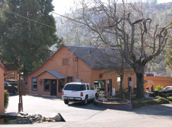 River Rock Inn: The hotel is small and personal. It sits right in the heart of Mariposa which makes walking...