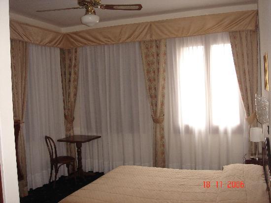 Hotel Cristallo -- Lido: Hotel room