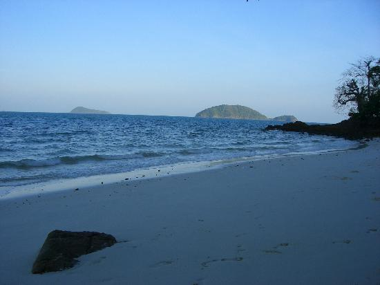 Koh Wai Pakarang Resort: View on Koh Wai