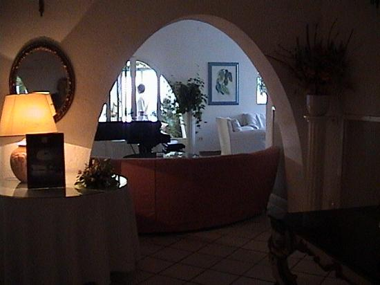 Hotel Foyer Hottingen Review : Hotel punta rossa updated reviews price