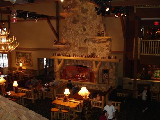 Great Wolf Lodge : Fireplace