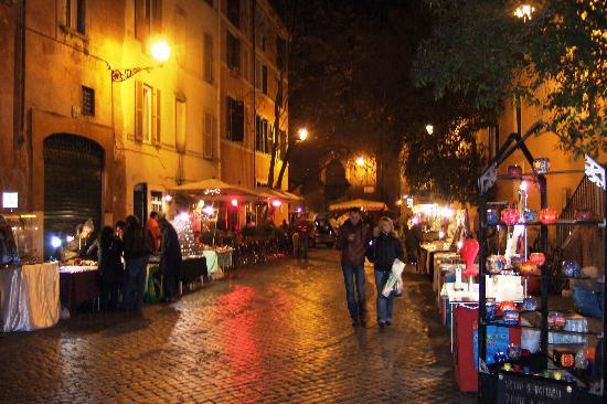 Trastevere night scene 2 picture of hotel santa maria for Hotel trastevere rome