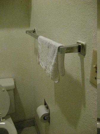 Rodeway Inn SeaTac: used wash cloth
