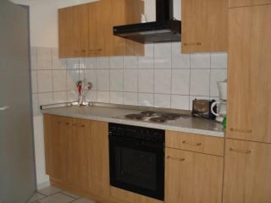Apartmenthaus zum Hahn: Apartment Kitchen