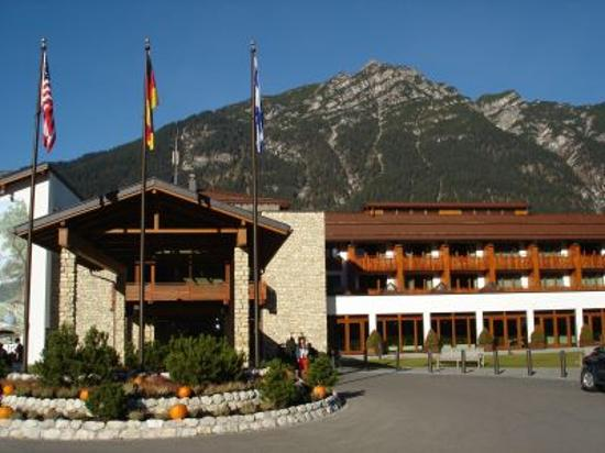 Edelweiss Lodge And Resort Photo