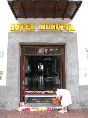 Hotel Monopol Photo