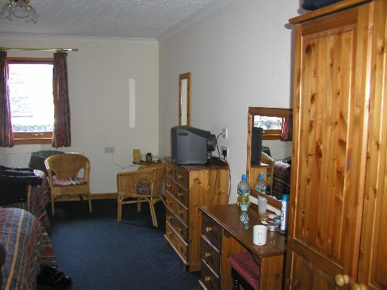 Mackay's Hotel : my room on the travel lodge bit messy that was me
