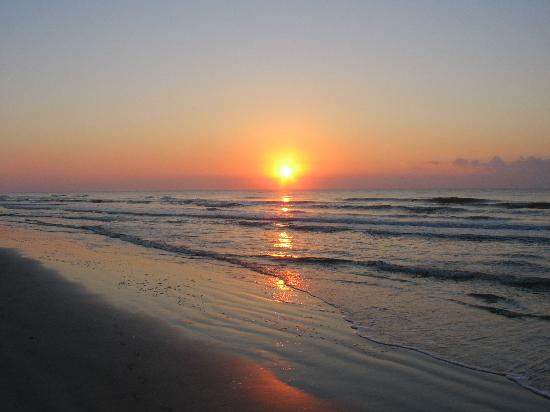 Hilton Head, Carolina Selatan: Sunrise on Forrest Beach!