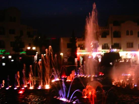 Marhaba Palace Hotel: the fountains in port el kantaoui