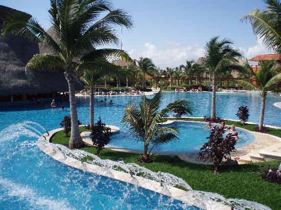 Pool - Barcelo Maya Colonial Photo
