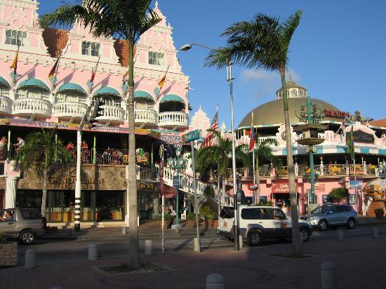Le Chateau Aruba: Downtown