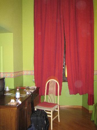Spagna Ave: bedroom 2