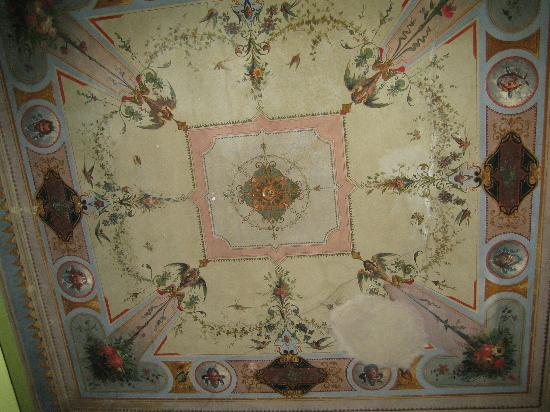 Spagna Ave: beautiful ceiling