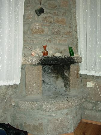 Yildiz Saray Hotel: fireplace in the room - very romantic