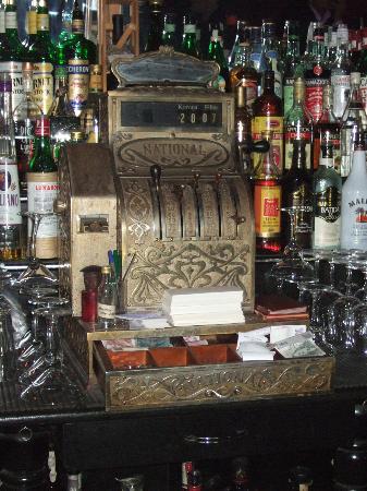 987 Design Prague Hotel : Tretters Bar