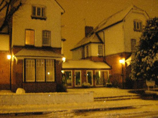 Elmdon Lodge: Snow in Birmingham