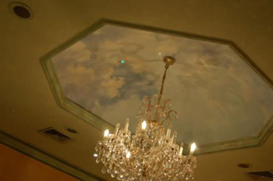 Hotel Sofia: Chandelier and painted ceiling