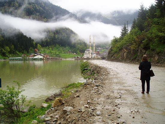Trabzon Province, Turkey: Uzungöl, more rain than in the brochures!