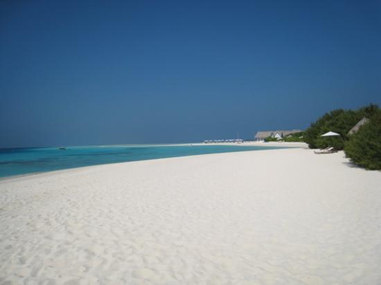 Four Seasons Resort Maldives at Landaa Giraavaru Photo