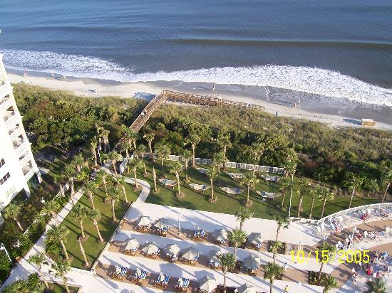Myrtle Beach Marriott Resort & Spa at Grande Dunes: Path from pool area to beach