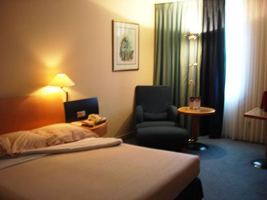 Le Royal Hotels & Resorts - Luxembourg: Room View