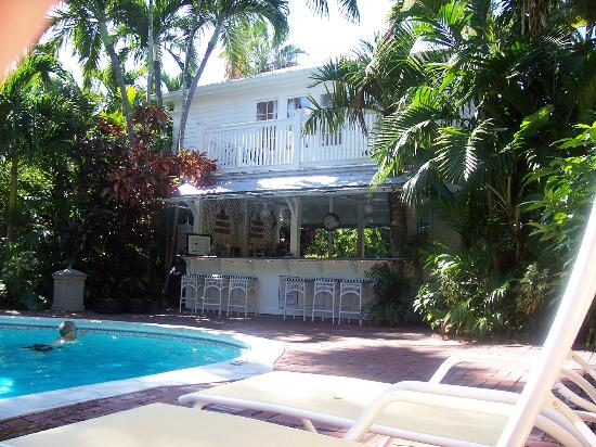 The Pool Bar Picture Of The Gardens Hotel Key West Tripadvisor