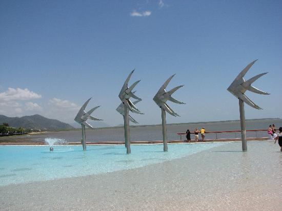 Pullman Reef Hotel Casino: Esplanade pool