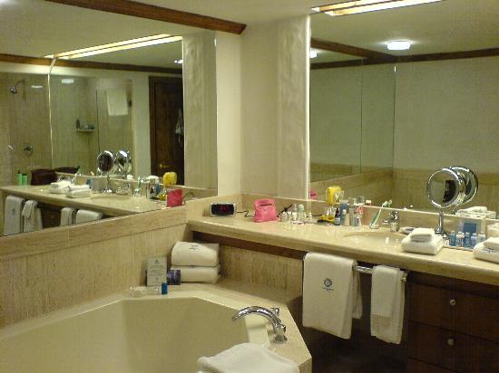 Sonnenalp: The bathroom part 1