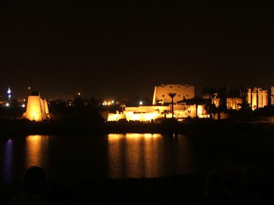 Louxor, Égypte : Karnak by night