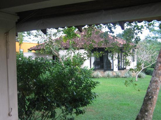 Kahanda Kanda: Peakcock Villa
