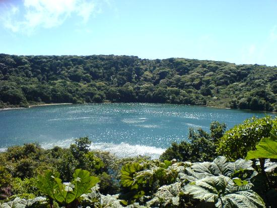 Costa Rica: water filled crater