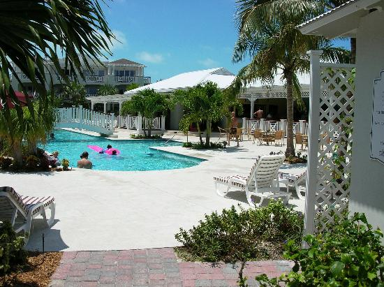 Royal West Indies Resort : Pool and Resturant Area