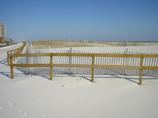 Pensacola Beach: snowy sands