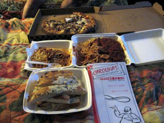 Carolina's Italian Cuisine: Pizza and spaghetti