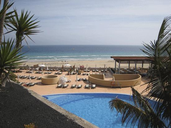 IBEROSTAR Fuerteventura Palace: Pool and Beach