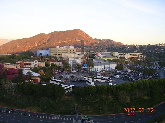 Hilton Los Angeles/Universal City : Another view from room 1565