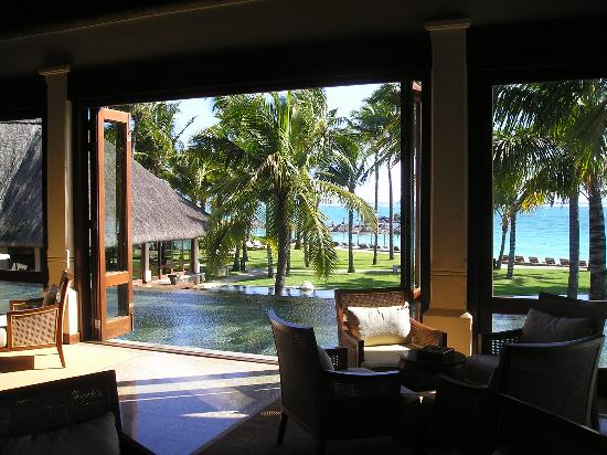 Constance Belle Mare Plage: View upon your arrival !?