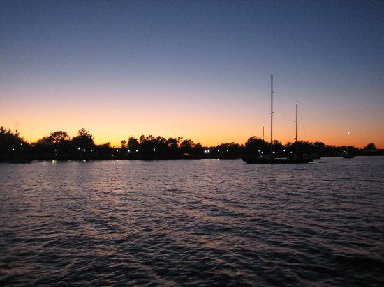 Odyssey Cruises: Bueatiful Sunset