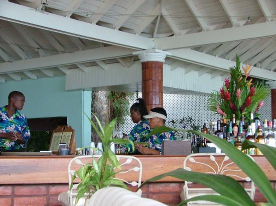 Rendezvous Resort: Terrace Bar