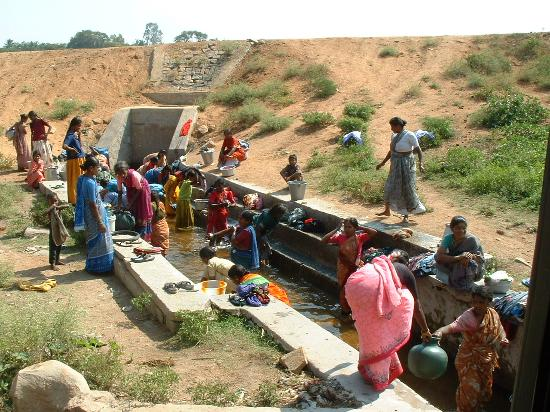 Candolim, India: Doing the washing