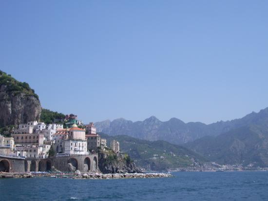 Hotel Luna Convento: view of Atrani from the pool