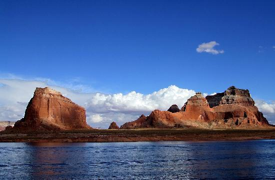 Lake Powell, UT: Lake view 2