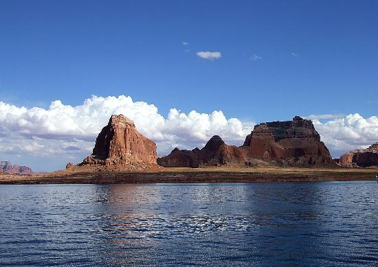 Lake Powell, UT: Lake view 5